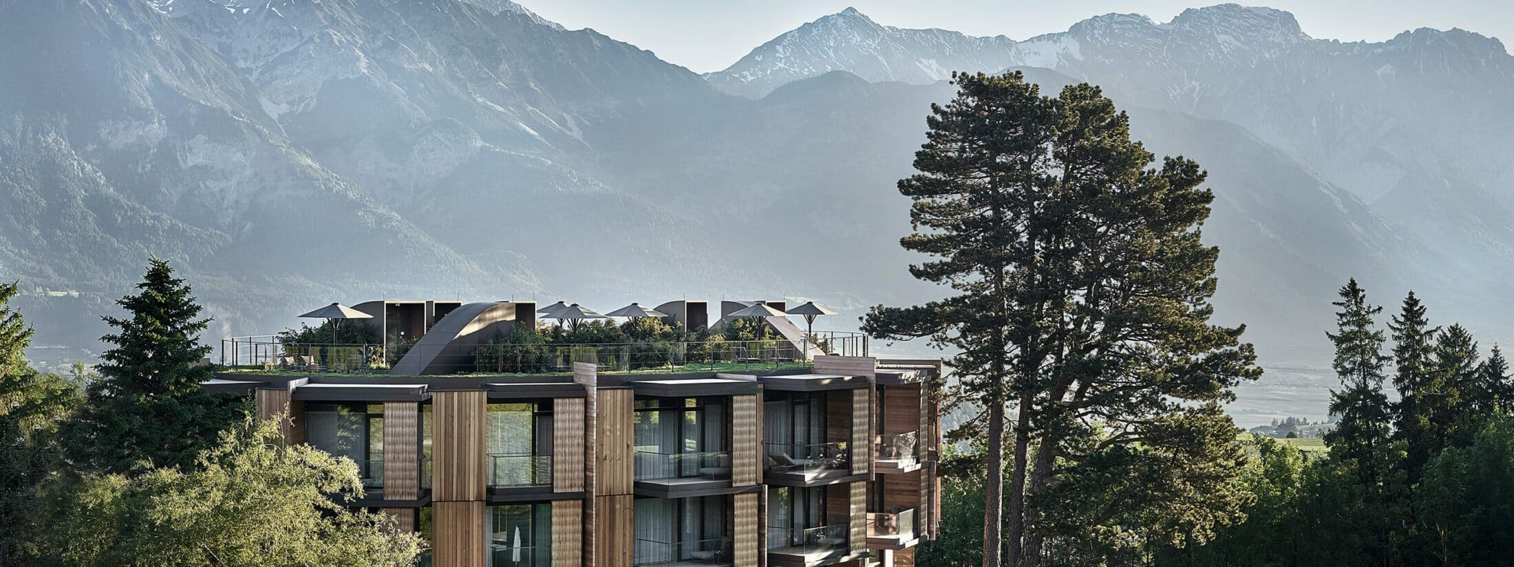 Lanserhof Resort Lans in front of the mountains